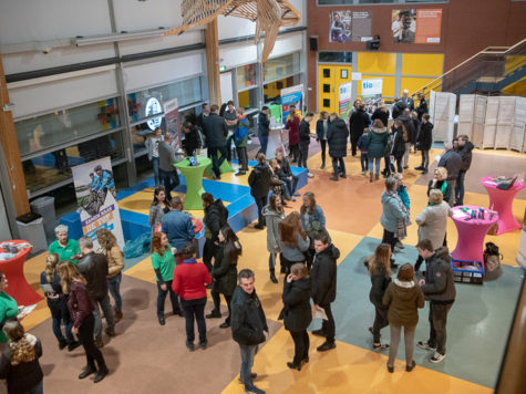 Business4school Beroepenmarkt trekt veel Apeldoornse bedrijven