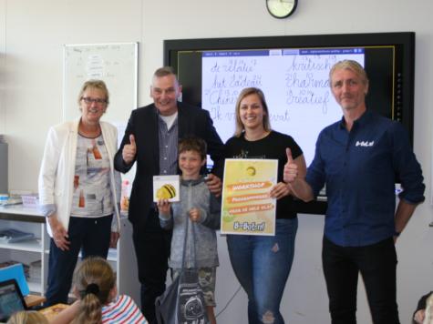Niek wint een B-bot en een workshop programmeren voor zijn hele klas!